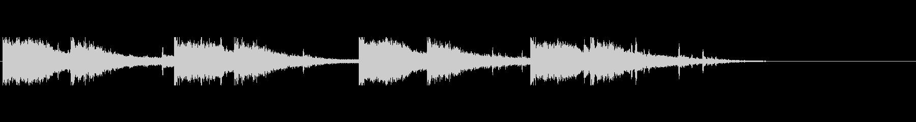 「カーン・キーン」恐怖を感じる金属音の未再生の波形