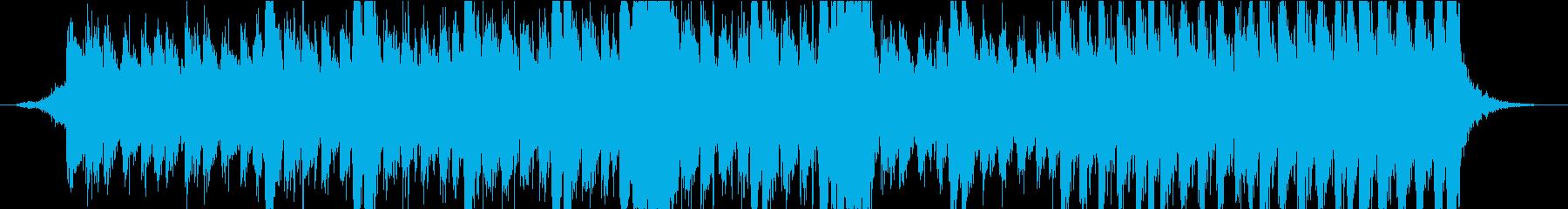 打楽器と管弦楽器による緊迫感のある楽曲の再生済みの波形
