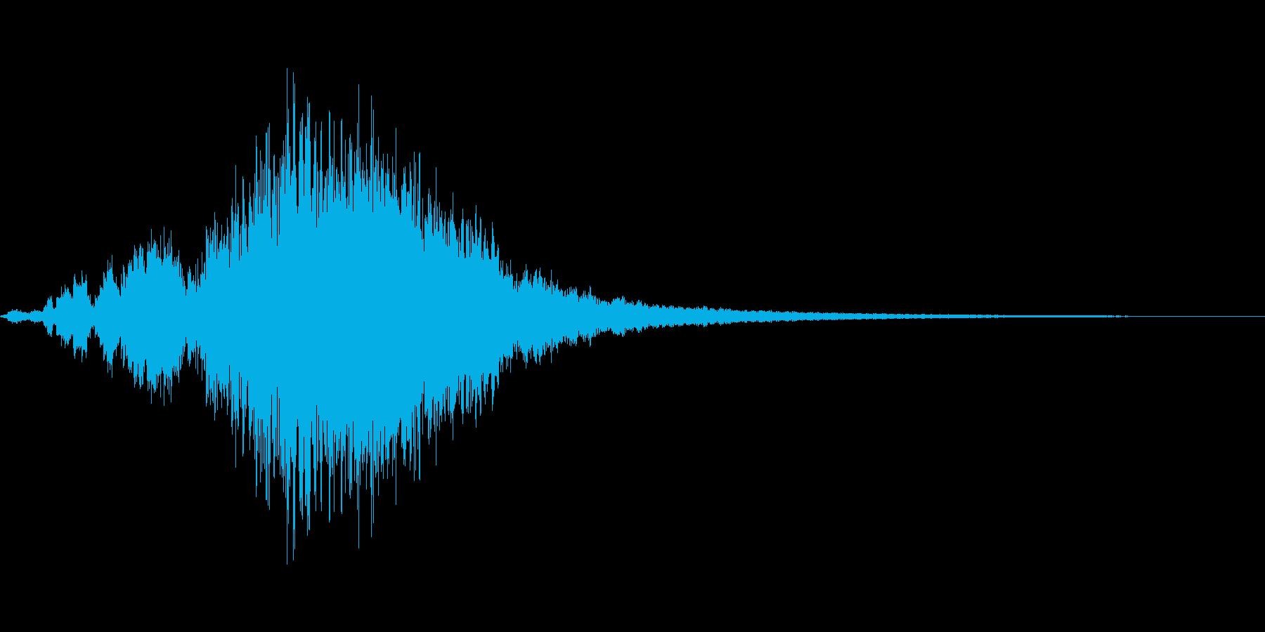 銅鑼を連打して大きくしていく音(長め)の再生済みの波形