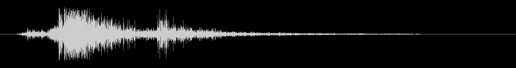 パシャ(力強く短めのカメラ音)の未再生の波形