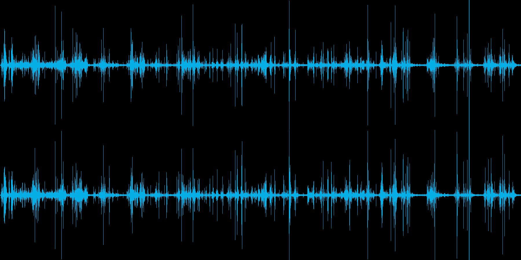 山奥の池(環境音)の再生済みの波形