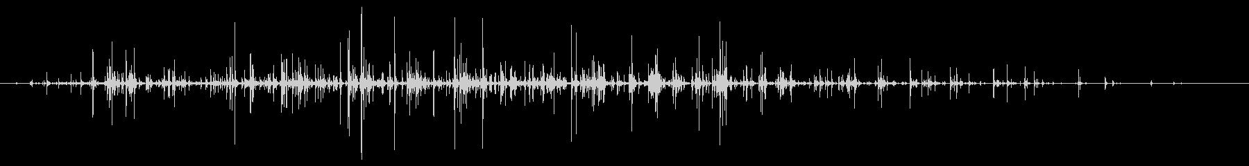 カラカラ(チャフチャスを振る音)の未再生の波形