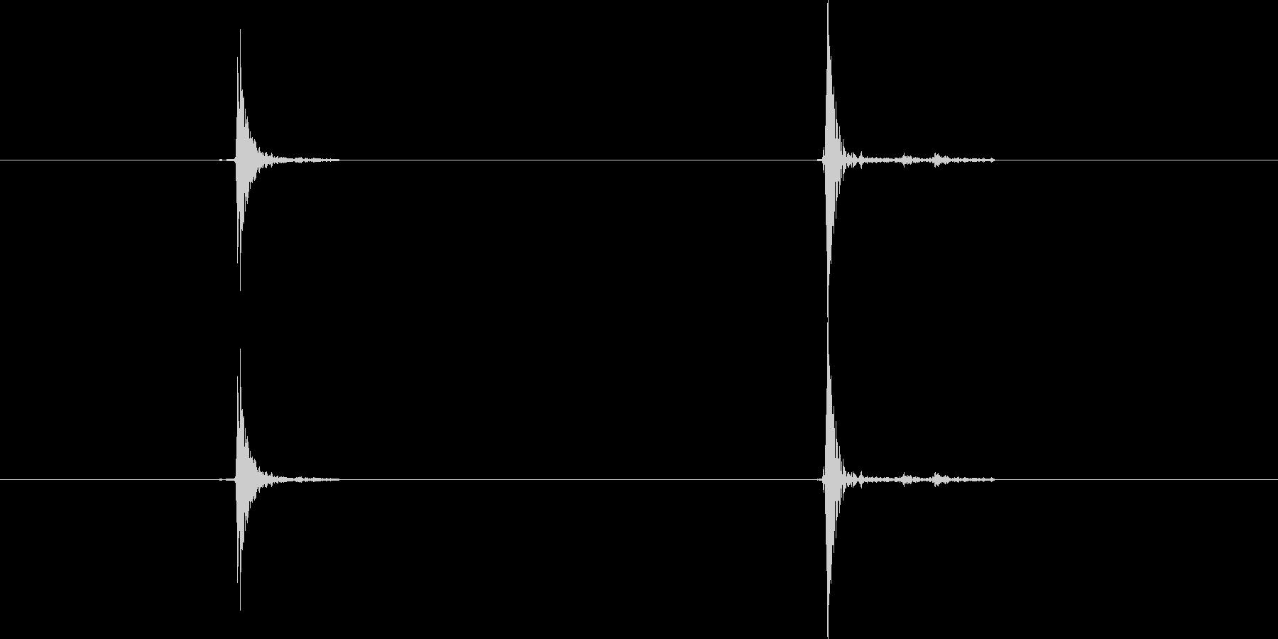 マウスをクリックする音(カチ)の未再生の波形
