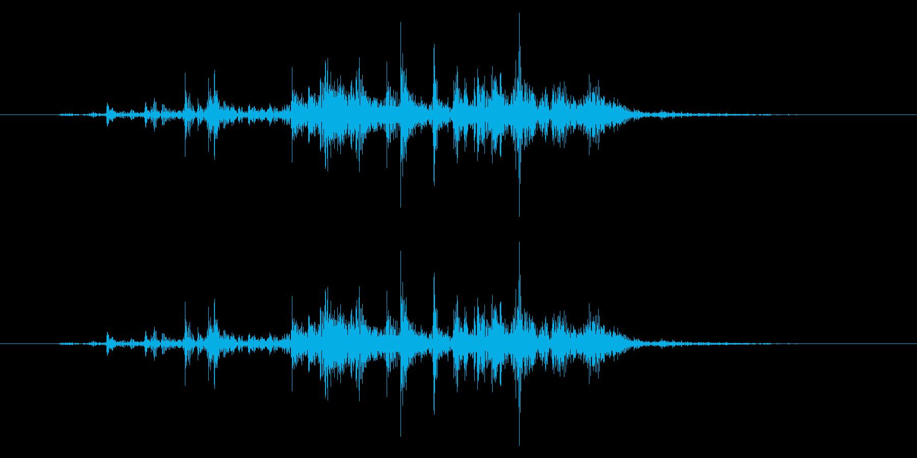 かじる/スナック菓子/ガリッ/短い音の再生済みの波形