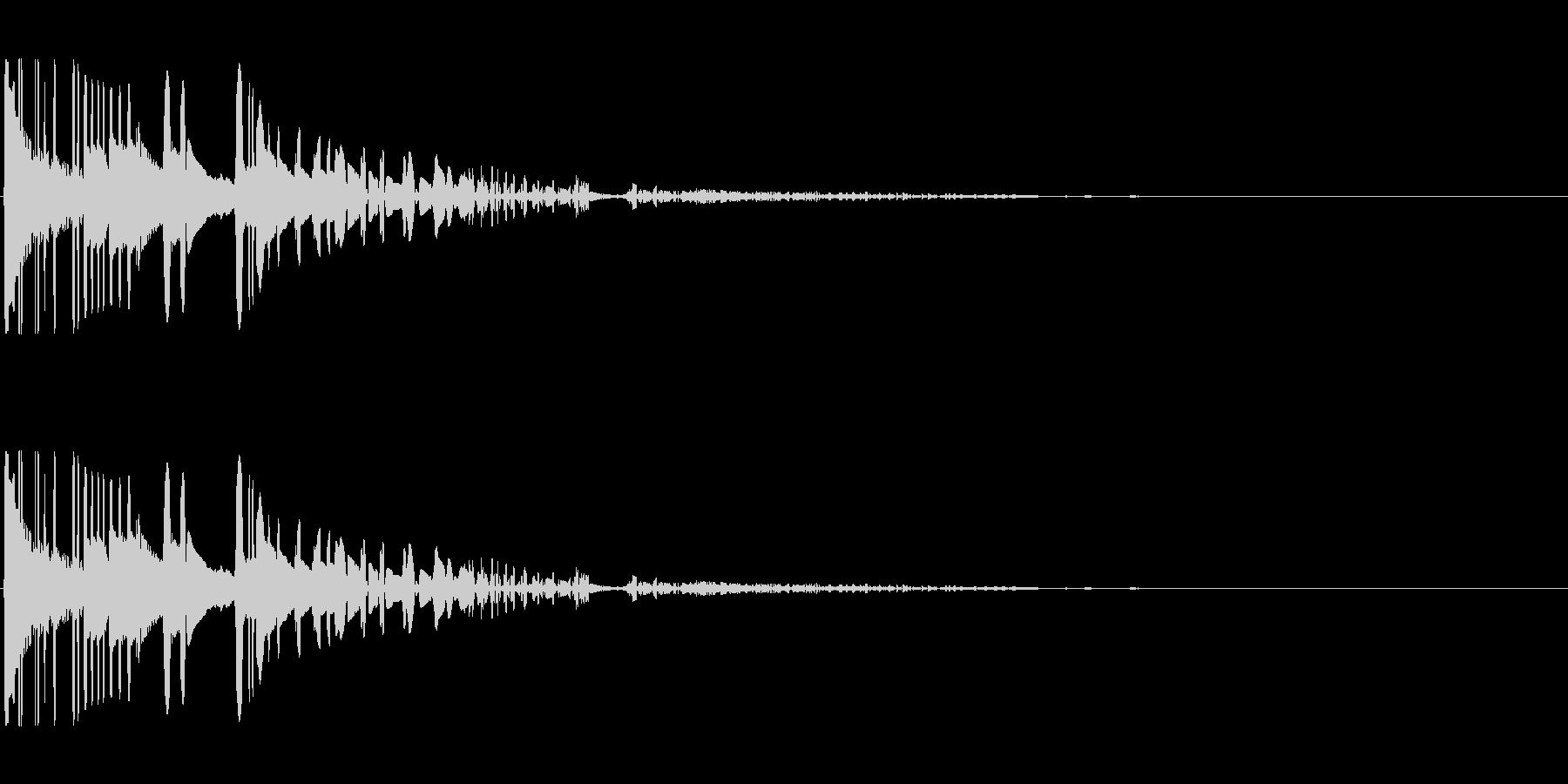 ドサッ(落下や倒れる衝撃音)03の未再生の波形