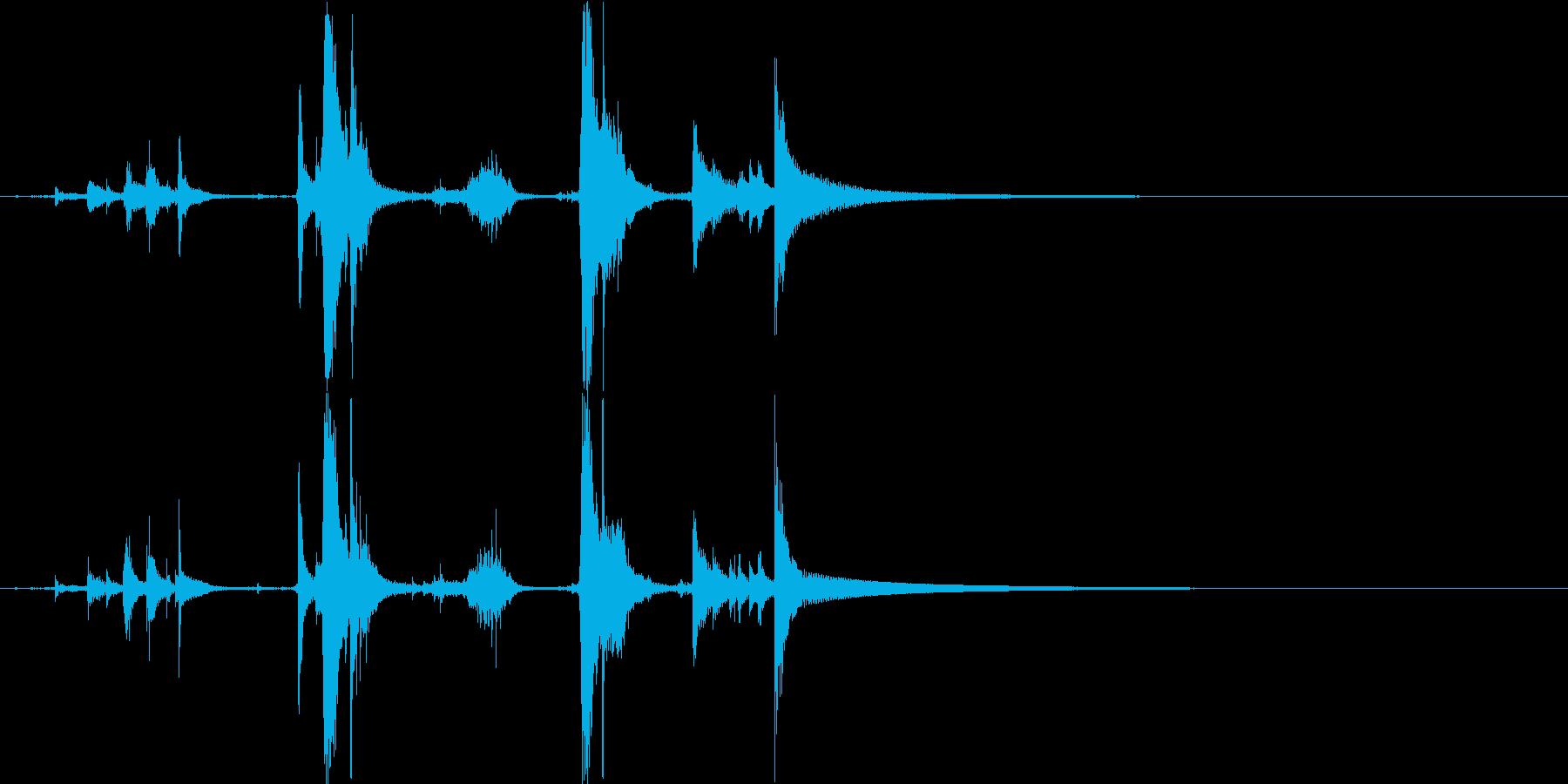 カランコロンキーン(魔法瓶を開ける音)の再生済みの波形