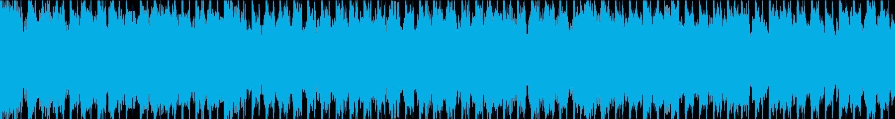 反復的なシンセ要素と脈動するベース...の再生済みの波形
