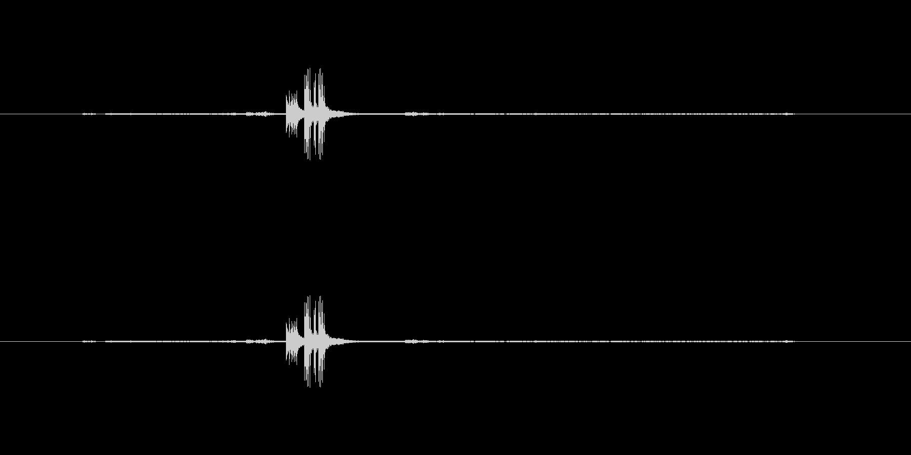 タイムカードを切る音(モノラル)の未再生の波形