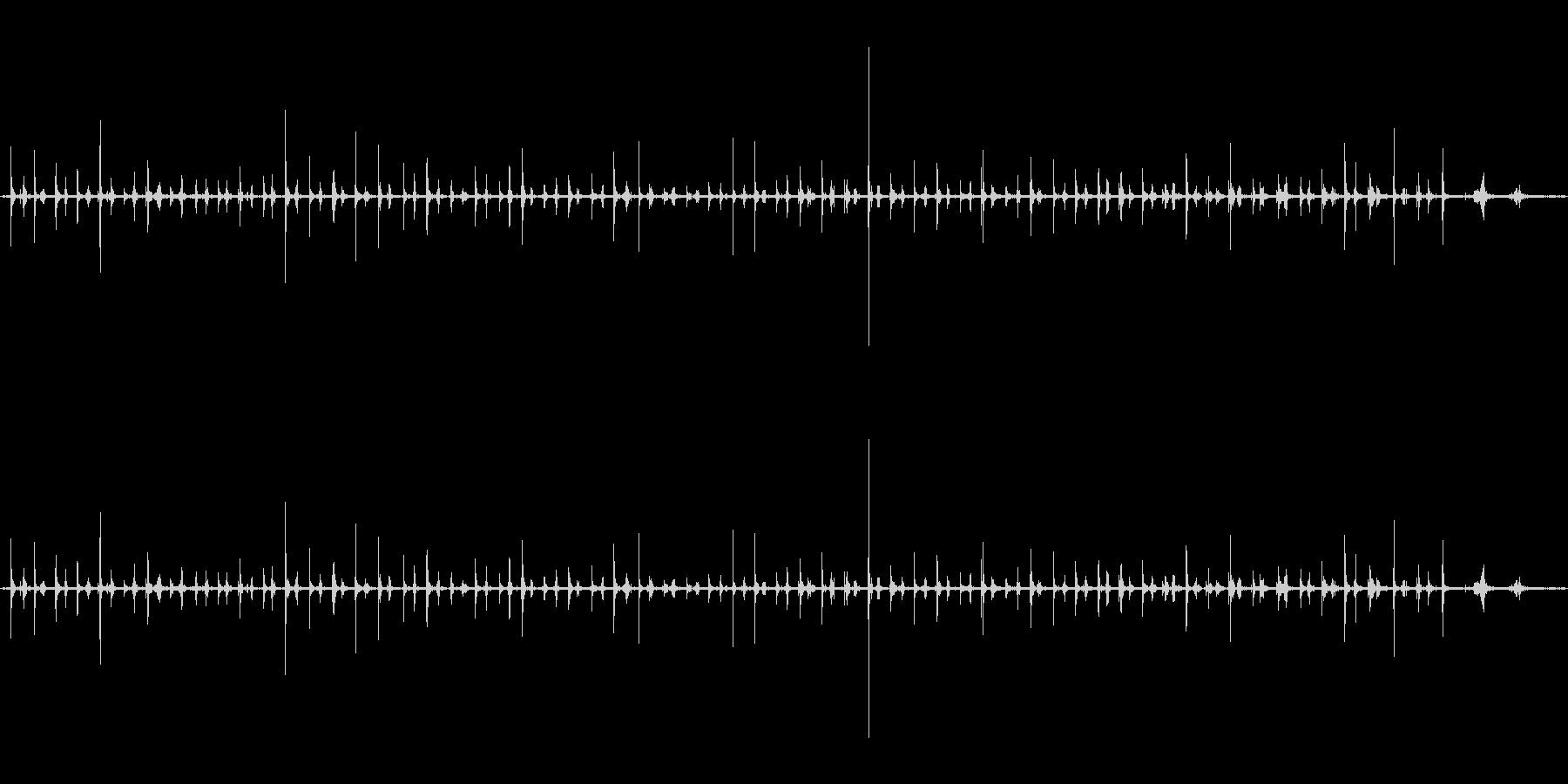 足音(歩く1)サンダル+コンクリートの未再生の波形