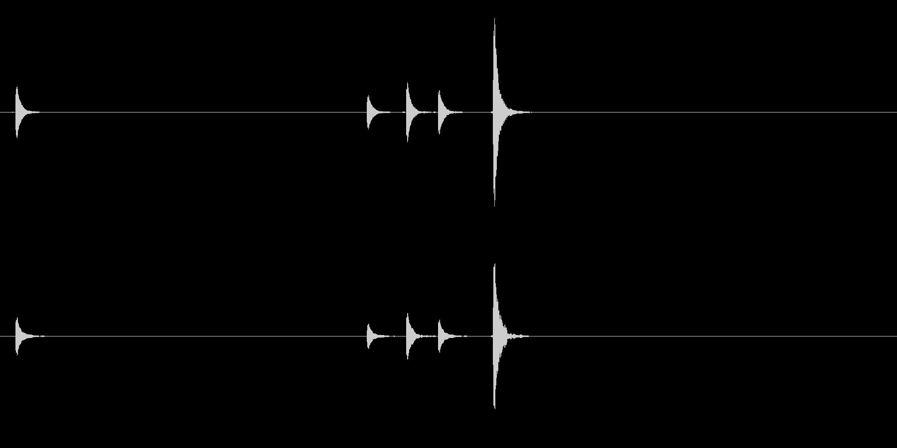 能楽の大鼓(おおつずみ)のフレーズ音の未再生の波形