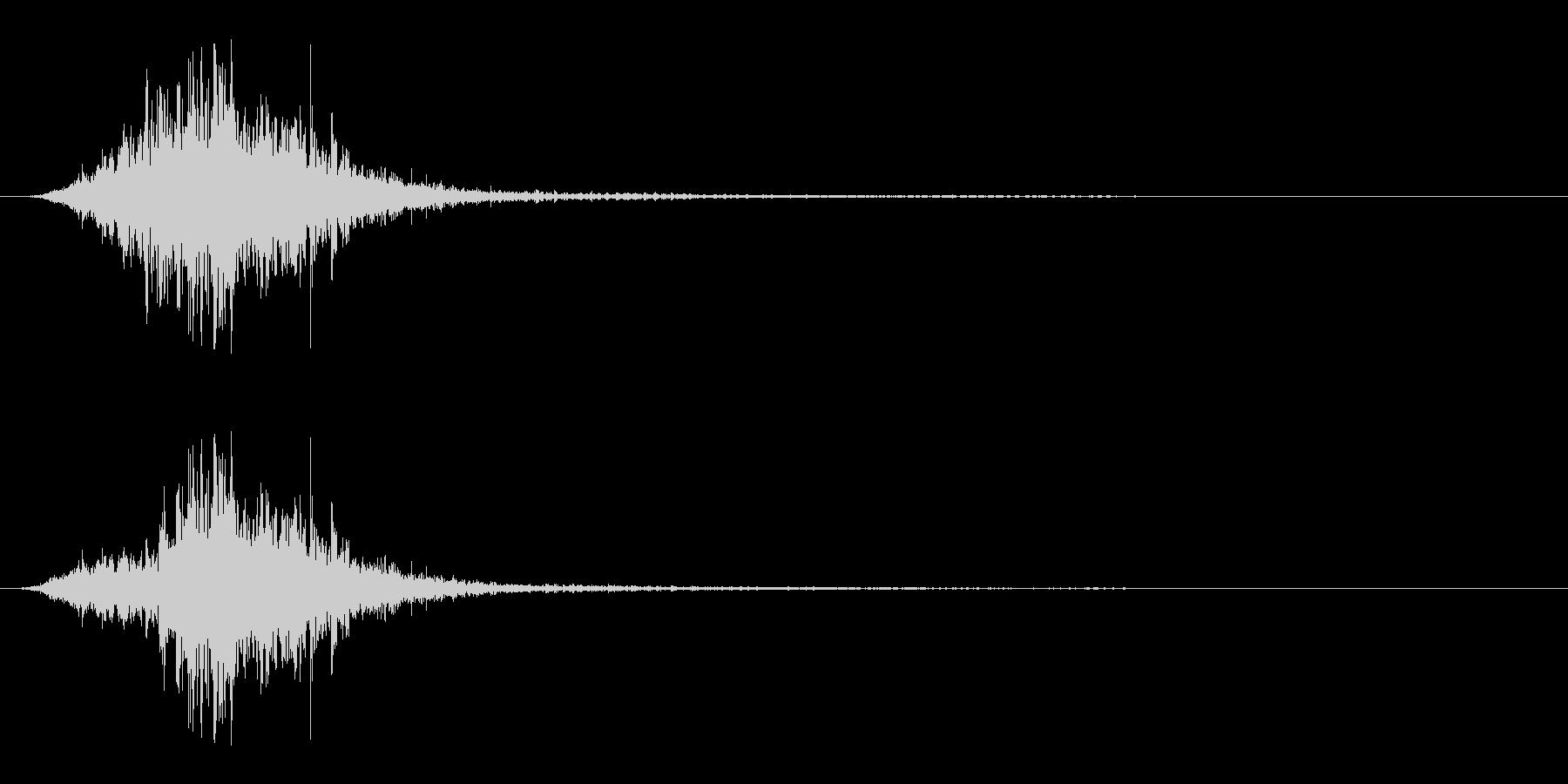 マントをバサッとする音3 ステレオ感の未再生の波形