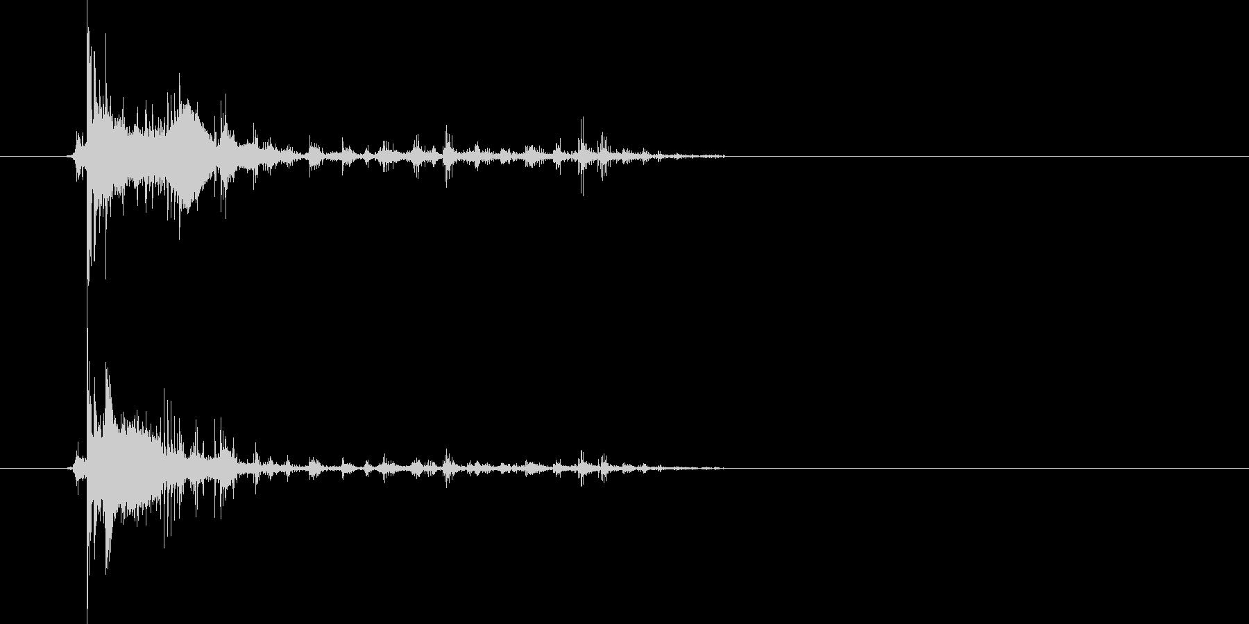 ジャリーーン!コロコロ…長めに転がる音の未再生の波形