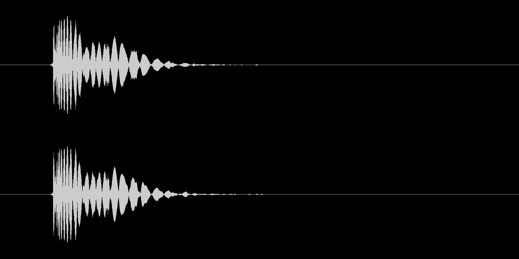 ヒット音(蹴る-8 打撃のインパクト音)の未再生の波形