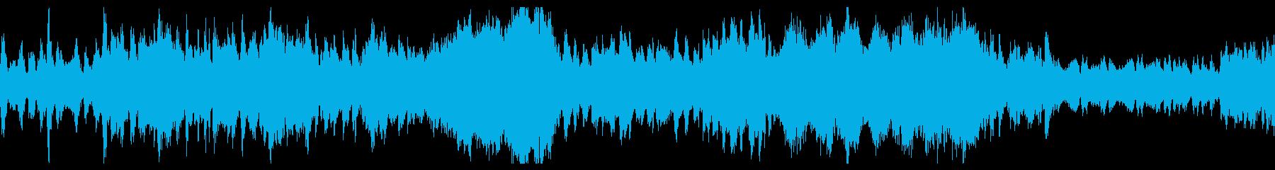 優雅なオーケストラによるワルツの再生済みの波形
