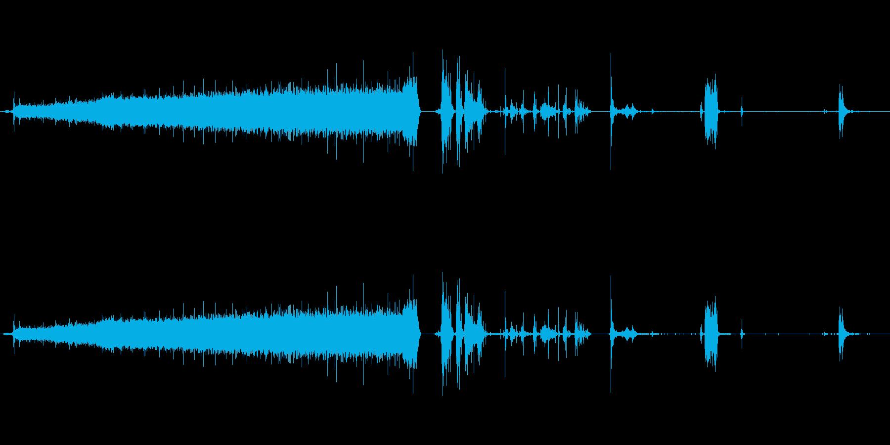バスタブ蛇口-詰物_水しぶき_空に...の再生済みの波形
