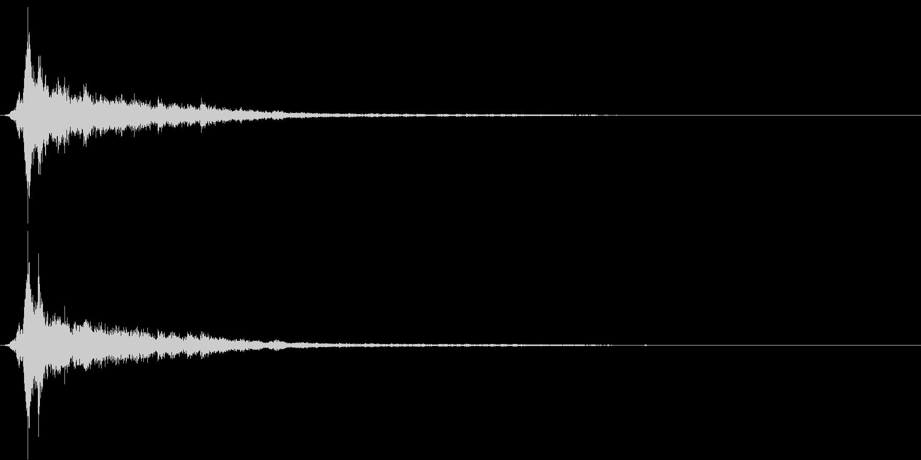 「シャン〜〜」象徴的な鈴の音2+リバーブの未再生の波形