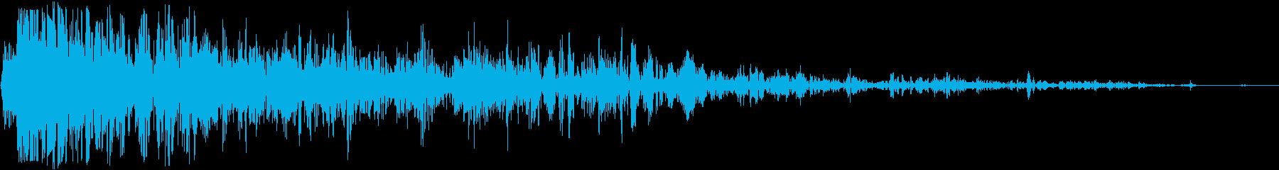 パワフルなロックシャッターヒットの再生済みの波形