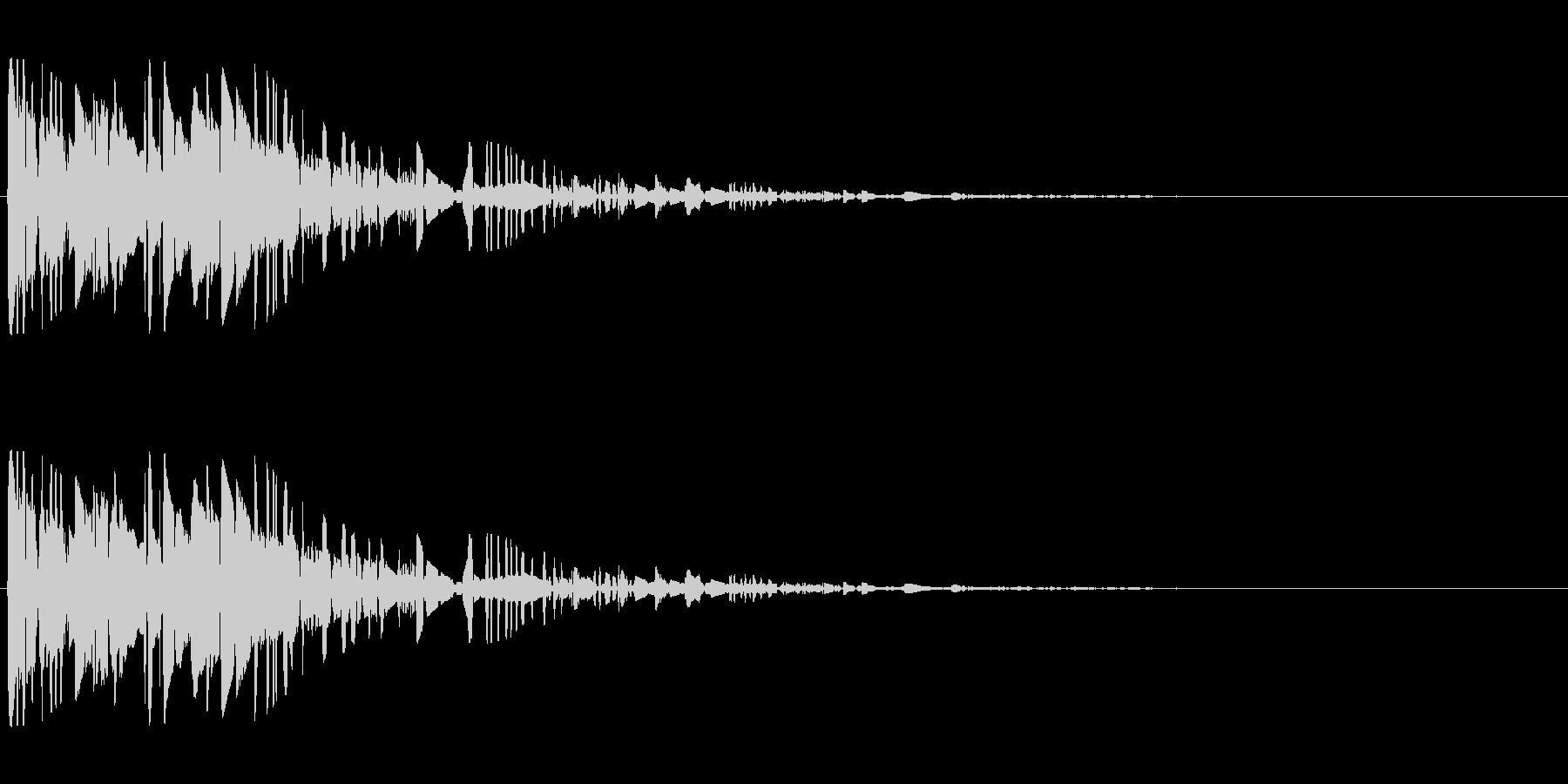 ドサッ(落下や倒れる衝撃音)02の未再生の波形