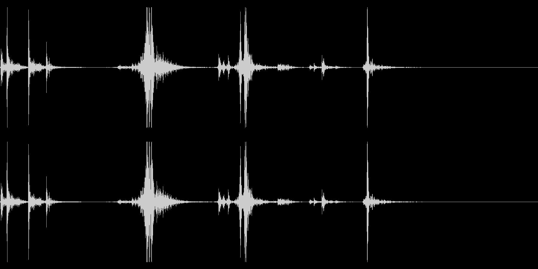【生録音】タッパー・弁当箱を閉める音 4の未再生の波形