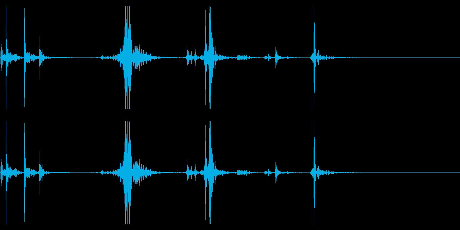 【生録音】タッパー・弁当箱を閉める音 4の再生済みの波形