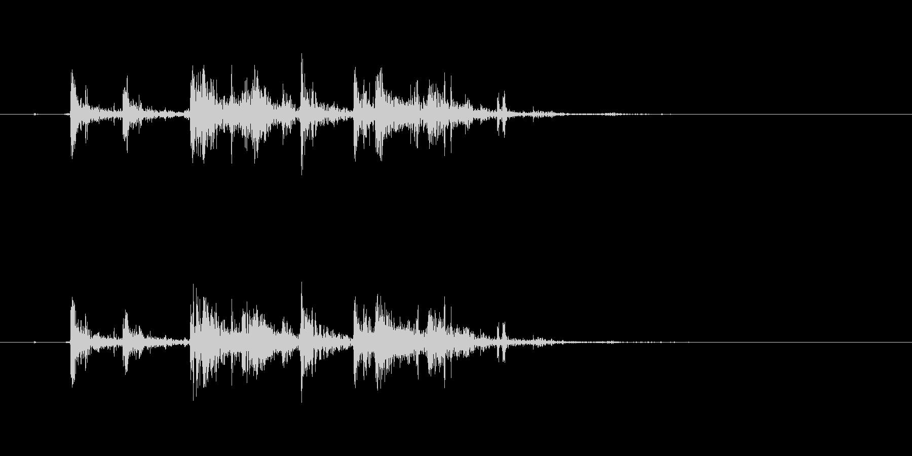 バキバキバキッ(大きな亀裂、低め)の未再生の波形