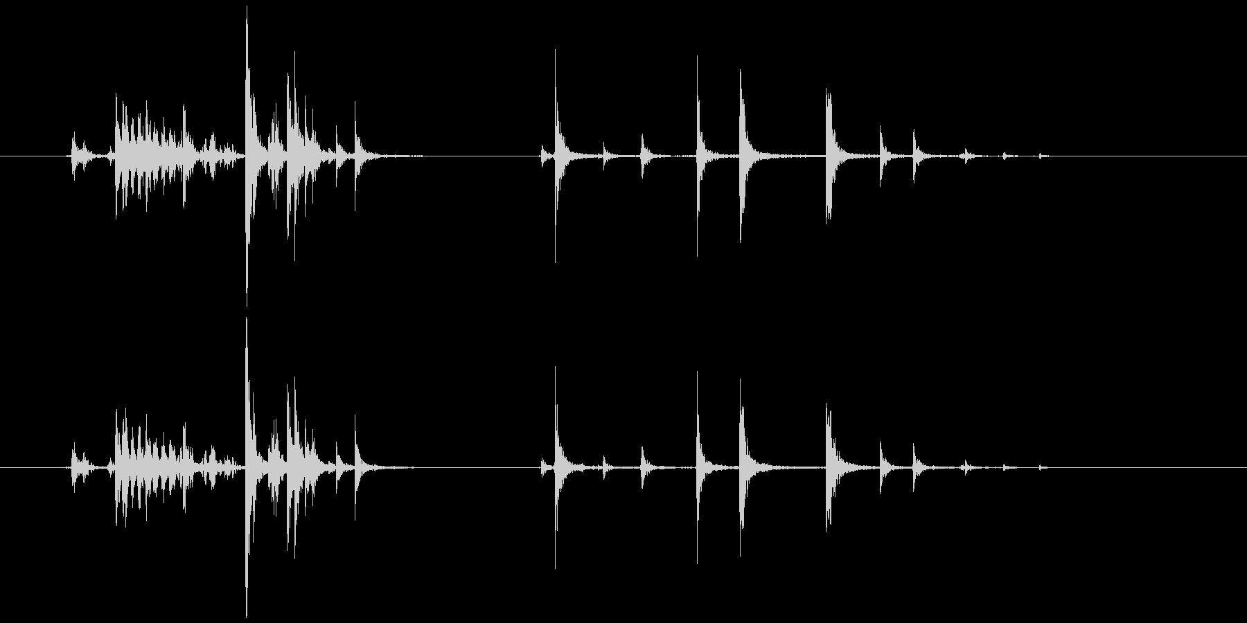 缶詰を開ける(シュッカリッ)の未再生の波形