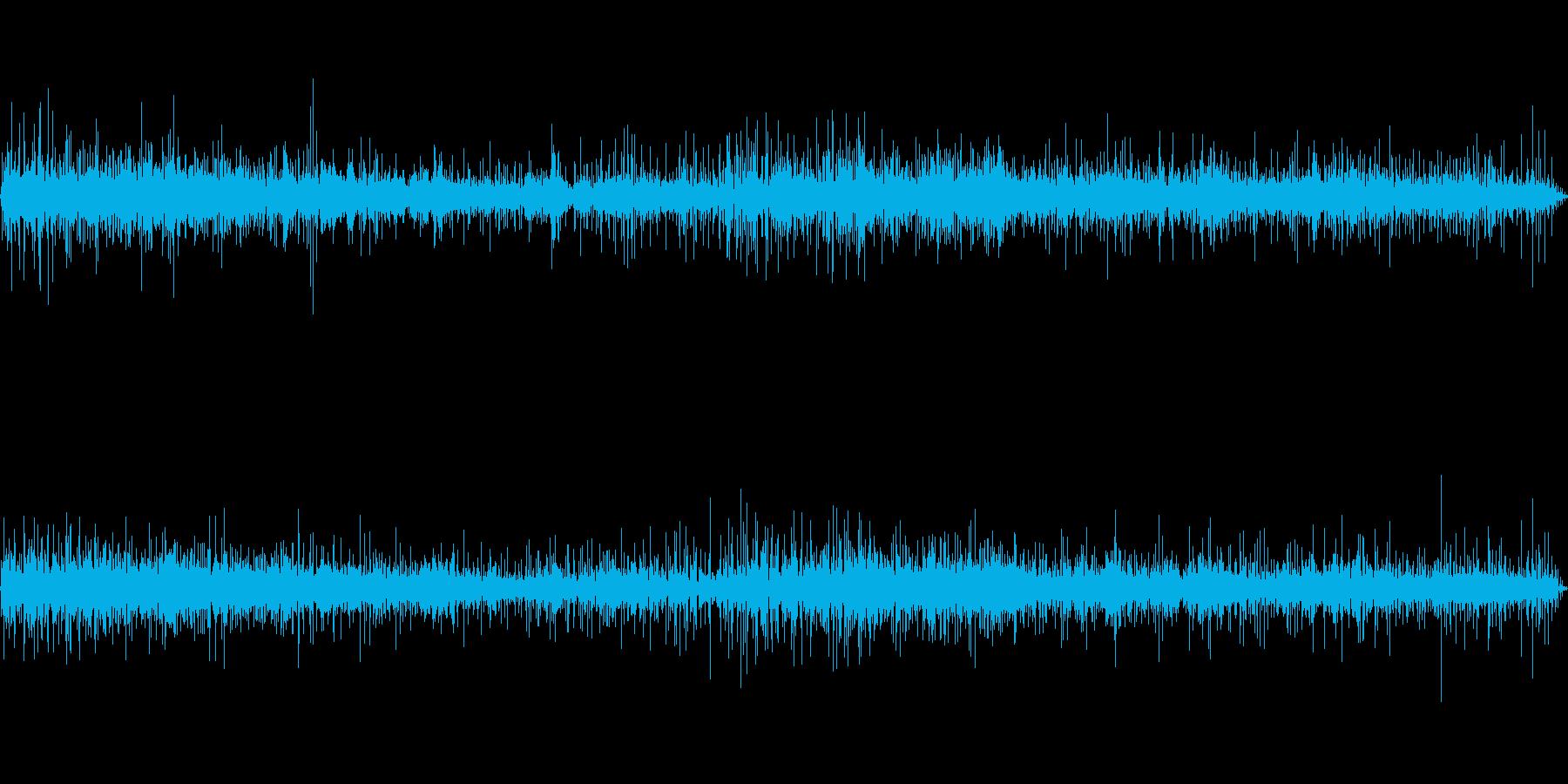 ビニール傘に当たる雨音-3の再生済みの波形