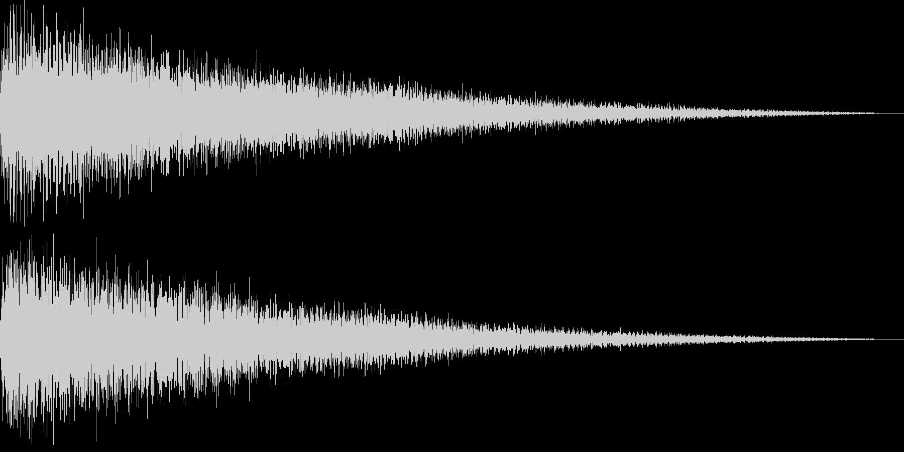 【ガーン】ピアノの低い音の未再生の波形