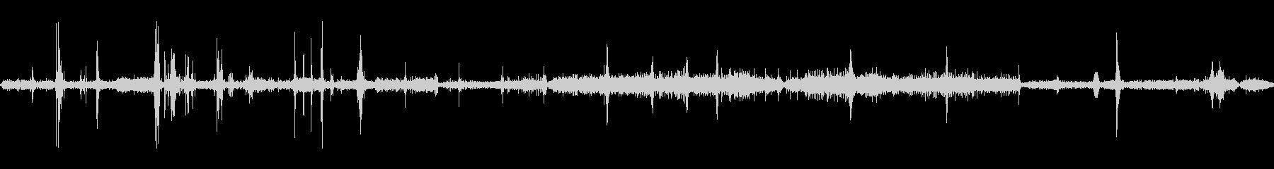 ピーガガー(ラジオのチューニング)部屋の未再生の波形