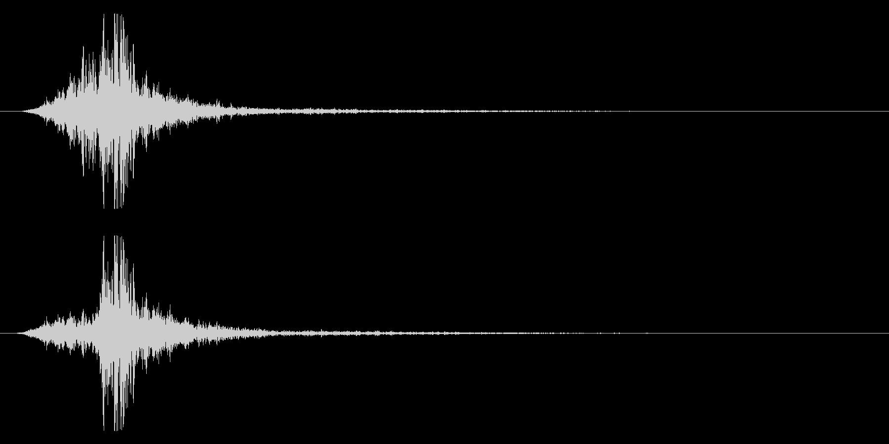 マントをバサッとする音1 ステレオ感の未再生の波形