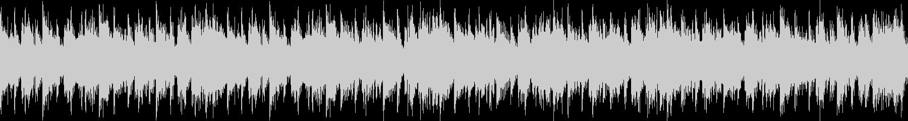 急き立てるシリアスなシンセとアコギの曲の未再生の波形
