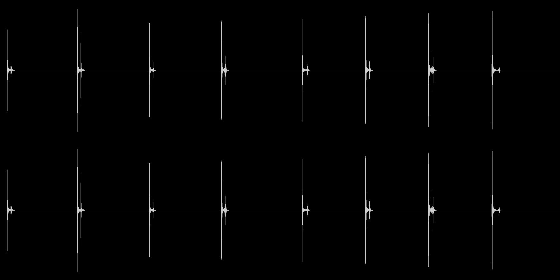PC キーボード04-05(単発 強)の未再生の波形