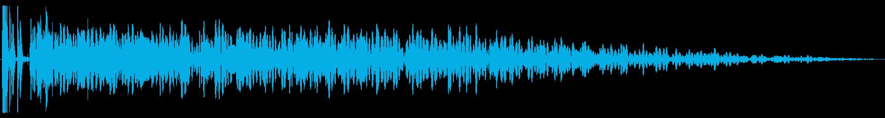 重い遠距離の原子爆弾爆発、電気干渉攻撃の再生済みの波形