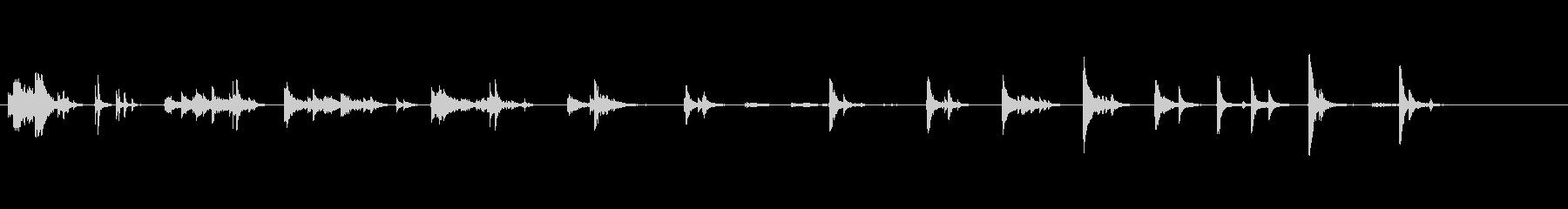 落とした/投げた金属:マルチ音の未再生の波形