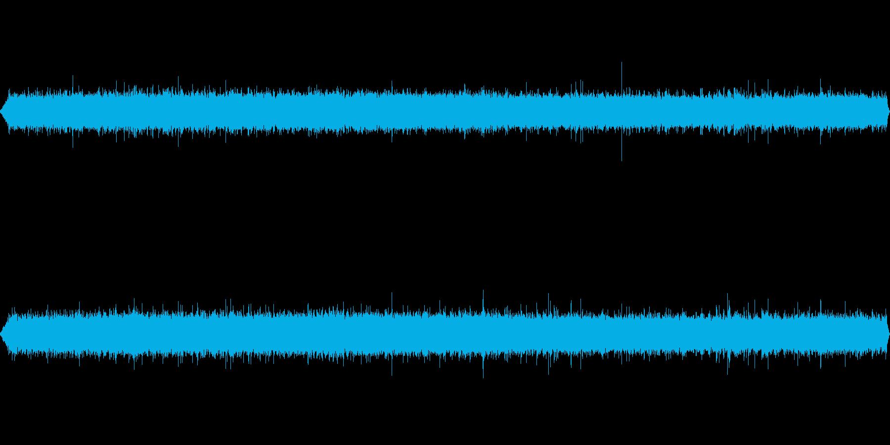 雨の音【イメージ:バス停の待合所】の再生済みの波形