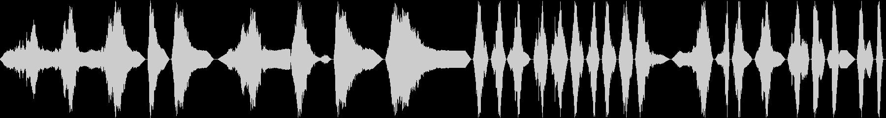 渦巻状の金属のパルス、シャープ、ハ...の未再生の波形
