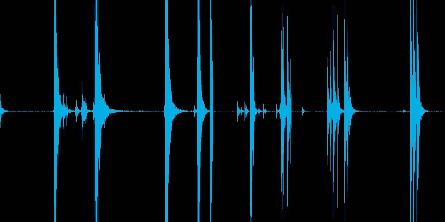 金属衝撃、さまざまの再生済みの波形