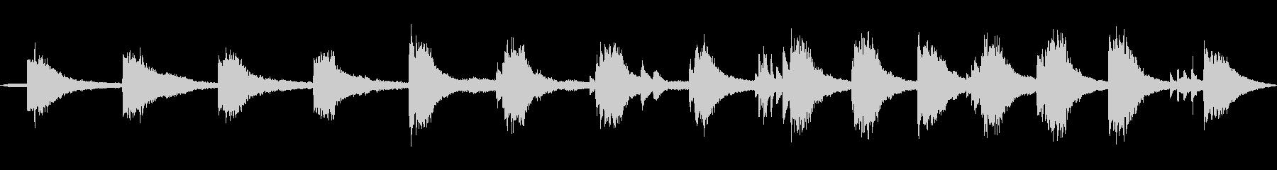 波音ととても静かなシンセサイザーとピアノの未再生の波形