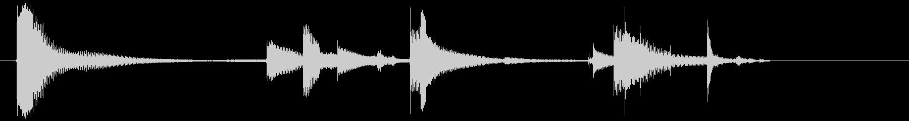 セラミックタイル:インパクトとブレ...の未再生の波形