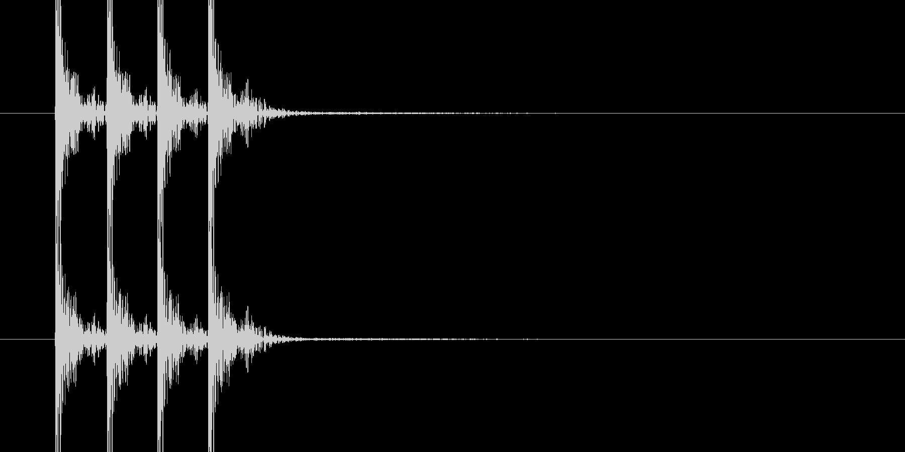 ドンドンドン(木のドアをノックする音)の未再生の波形