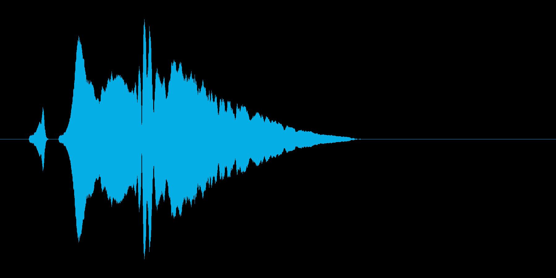 かわいい感じのスワイプ音。「ヒュイッ」の再生済みの波形