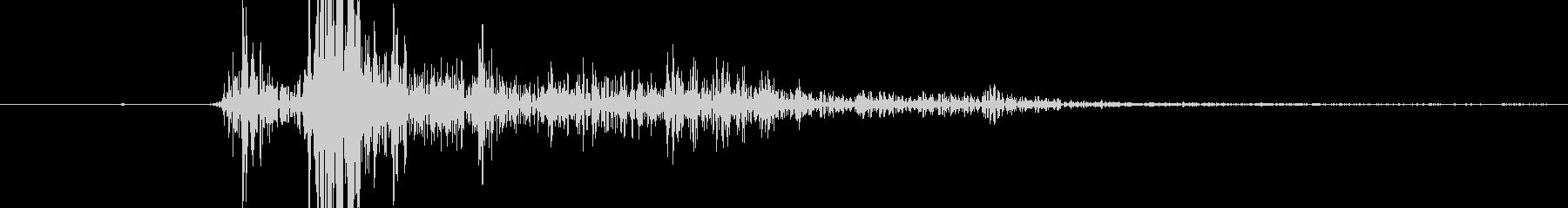 マガジンを挿入する際の音の未再生の波形