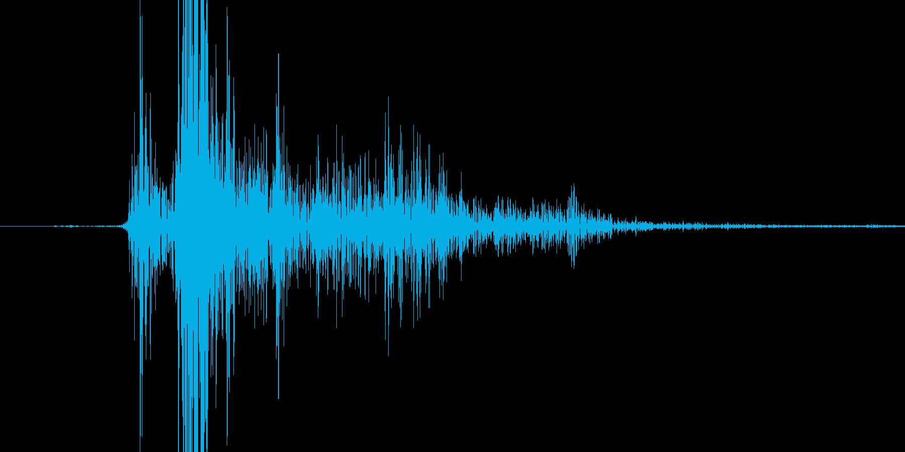 マガジンを挿入する際の音の再生済みの波形