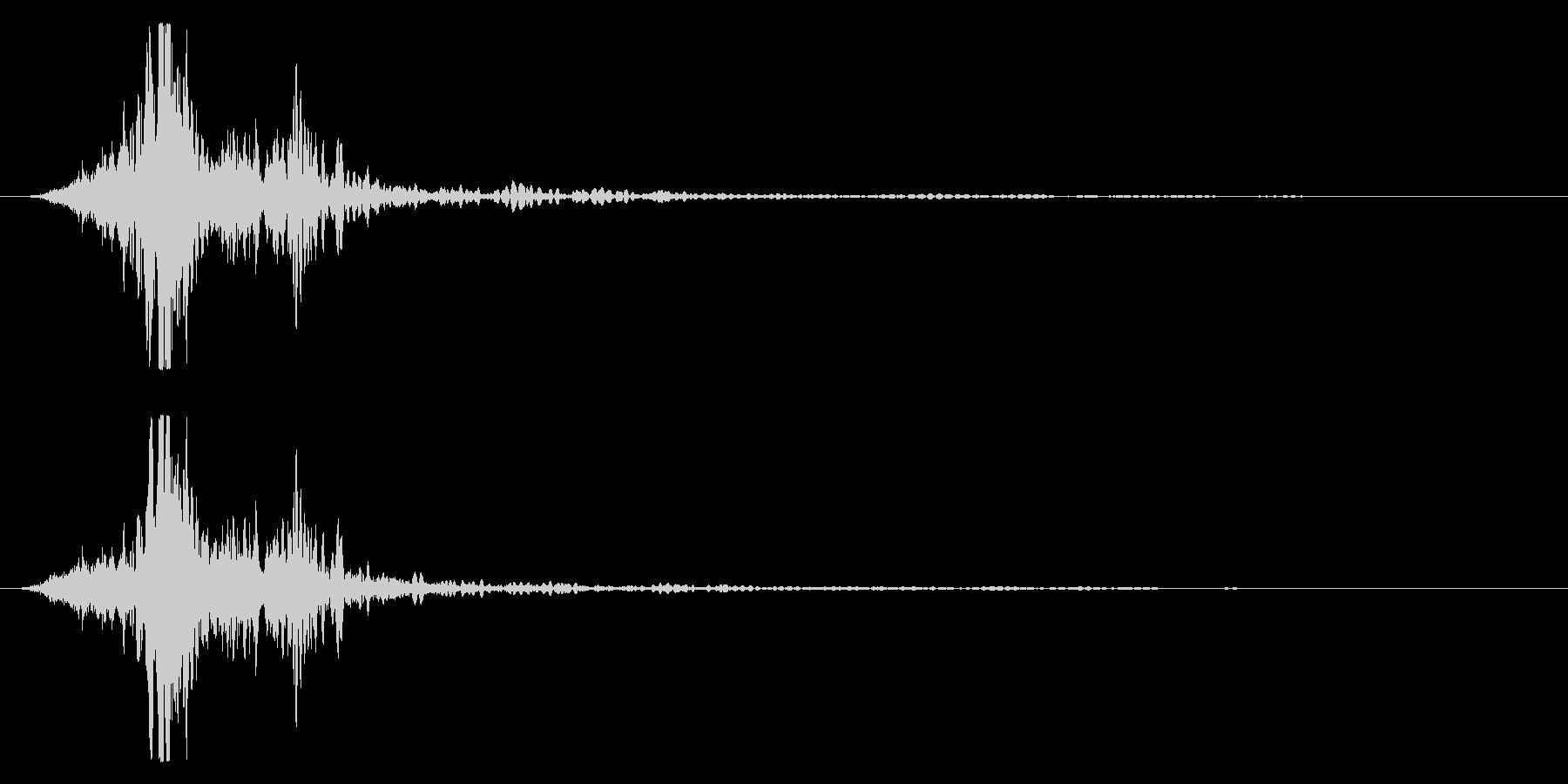 マントをバサッとする音4 ステレオ感の未再生の波形