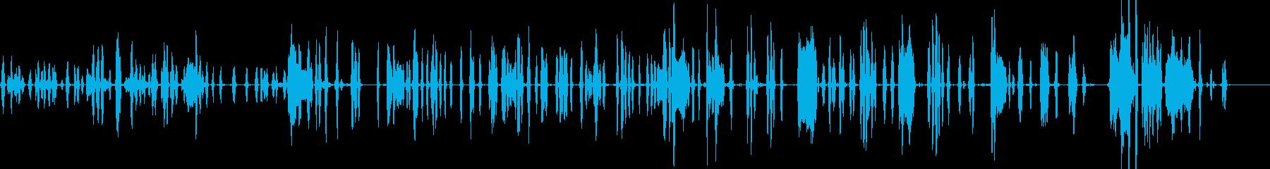犬小屋で怒っている犬の再生済みの波形