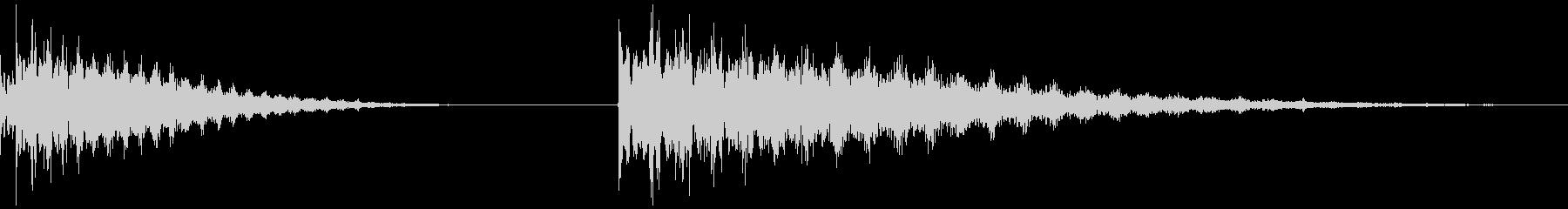 周波数エコー、低、2バージョン、低...の未再生の波形