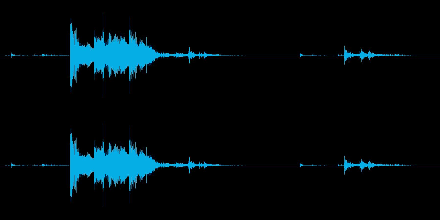 コップに氷を入れる音の再生済みの波形