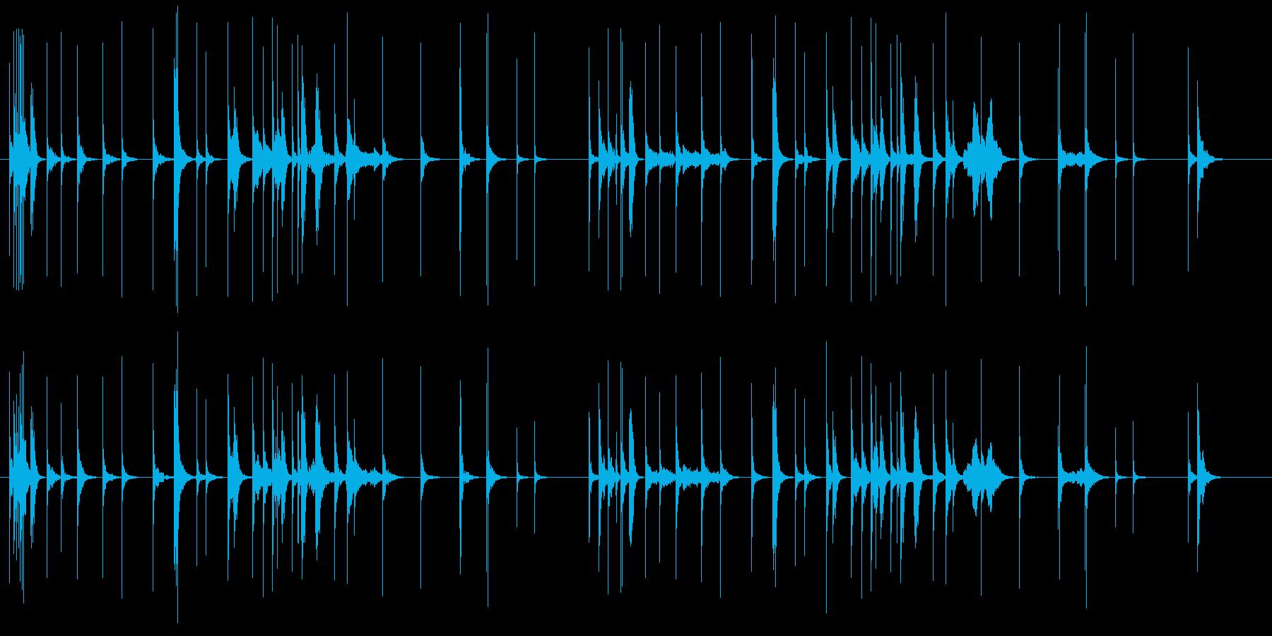 三味線が静けさの中に鳴り響く曲の再生済みの波形