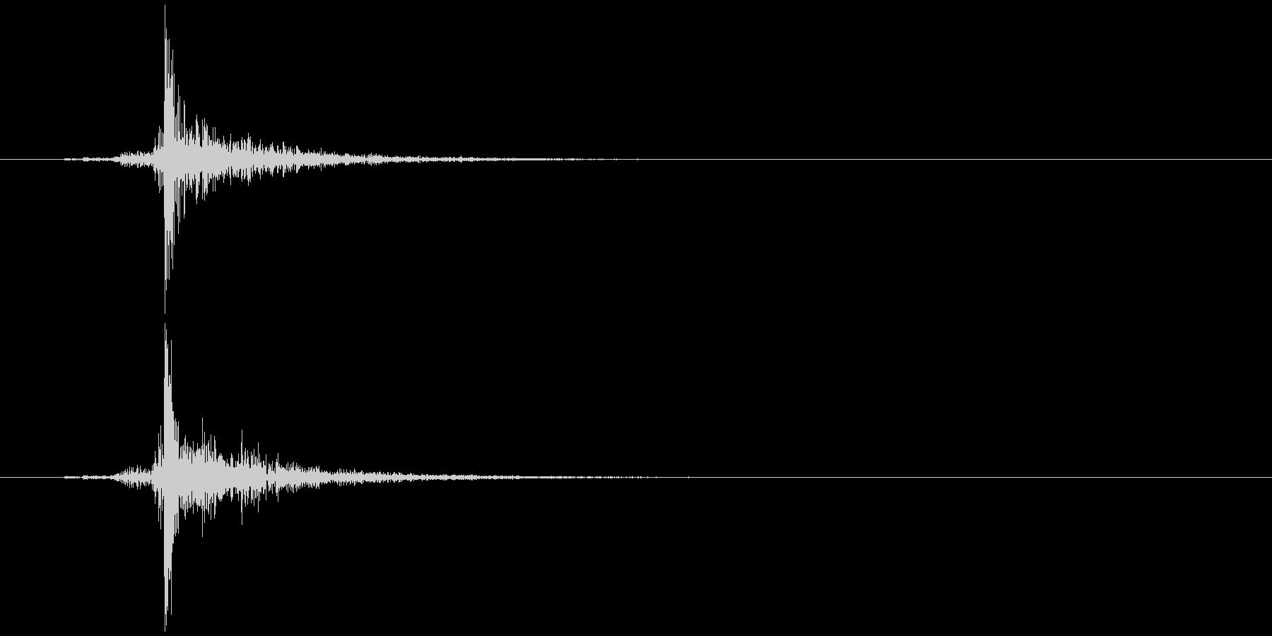 ハサミ 切る (チャキッ) の未再生の波形