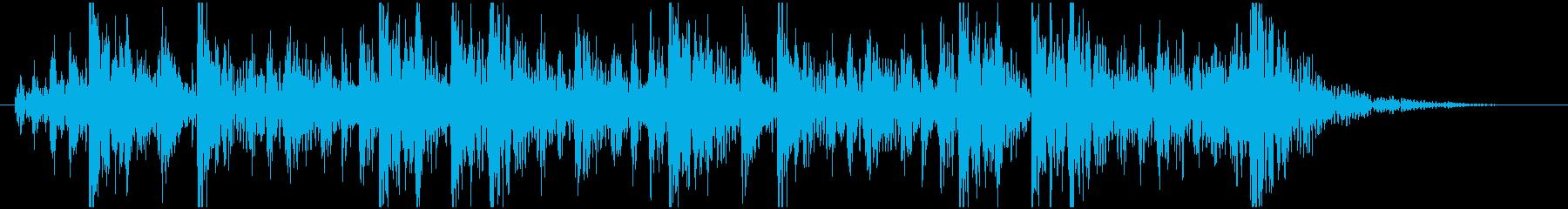 和太鼓の連打の間合いに鳴る拍子木の再生済みの波形